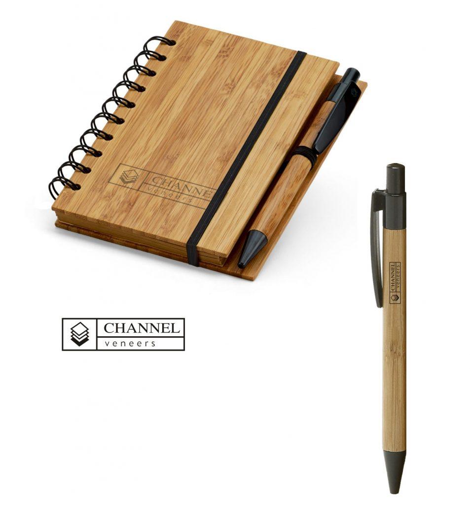 Bloc de notas y bolígrafo de bambú personalizados mediante la técnica de grabado a láser para regalo de empresa